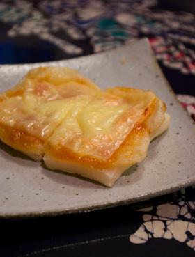 餅ピザ♪ねぎ味噌&チーズのっけ☆
