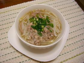 センレック ナーム(豚挽き肉入り麺)
