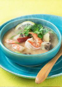 糀甘酒のトムヤムクン風スープ