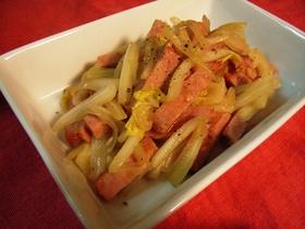 白菜の芯の部分とハム☆麺つゆでドーン♪