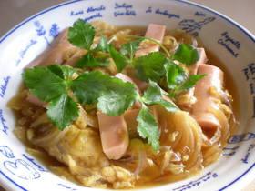 魚肉ソーセージの卵とじ