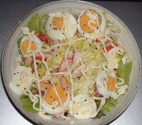 レタス&キャベツ&カニカマ&ゆで卵サラダ