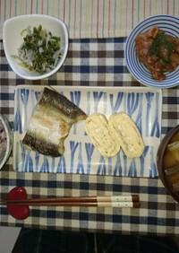 ある日の夜ご飯。カマスの塩焼き美味!