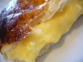 自家製酵母で作るカスタードクリームパン