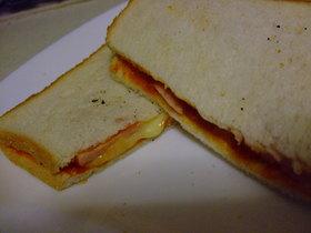 朝食に!ピザトーストサンド