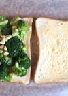 たまごサラダ&ブロッコリーのサンドイッチ