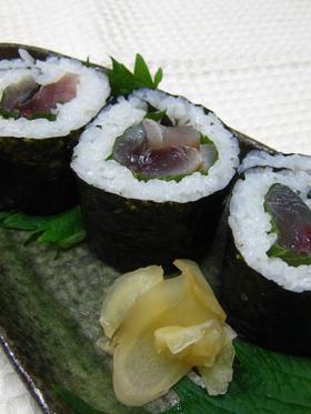 しめサバの海苔巻き寿司