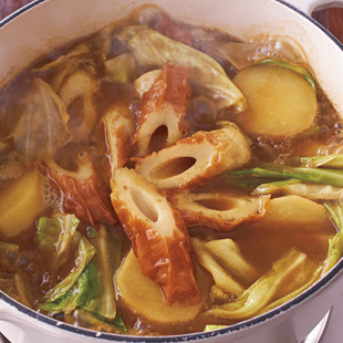 キャベツとちくわの和風カレー鍋
