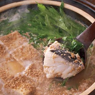 たらと豆腐の和風ごま豆乳鍋