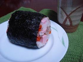 楽うま栄養満点おにぎり♪お魚のソーセージ
