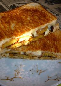 焼き柿(渋柿)+チーズのホットサンド