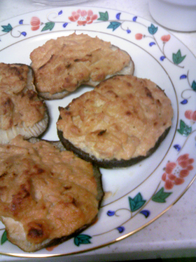 簡単シイタケのツナマヨ味噌焼き