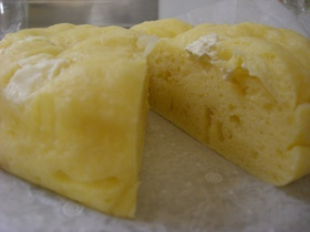 懐かしい味☆クリームチーズ蒸しケーキ