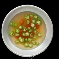 おくらとトマトのカレースープ