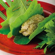 山菜ごはん柏の葉包み