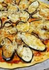 カリっとシンプル♪イカと茄子のピザ