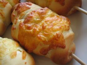 「おさかなのソーセージ」ロールパン