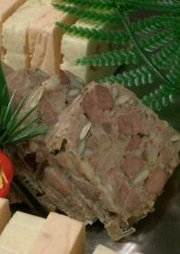 豚足とマメのパテ