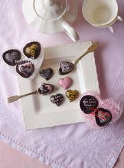 転写ハートのチョコレートの写真