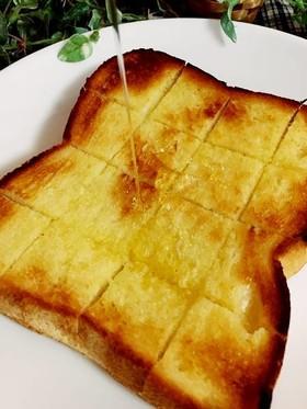 食パンで★バターハニートースト