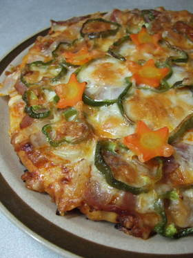 余ったシチューで☆まろやか手作りピザ