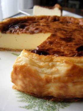 濃い焦がれた…カマンベールチーズケーキ