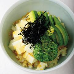 アボカドと豆腐オクラとろろかけ丼