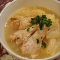 白菜大量消費♔手羽元ほろほろ煮スープ