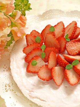 苺のふんわり♡ヨーグルトムース