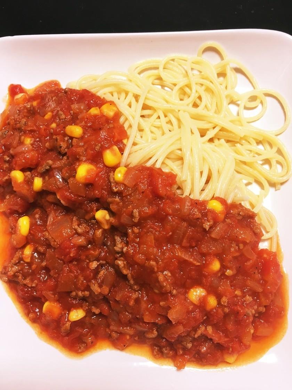 トマト缶で作る簡単ミートスパ(子供も)
