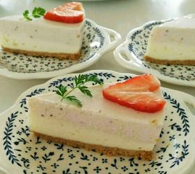 二層のストロベリーレアチーズケーキ