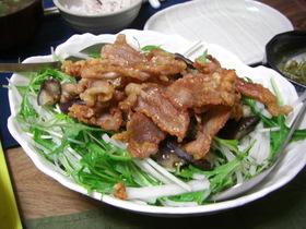 カリカリ豚の水菜サラダ