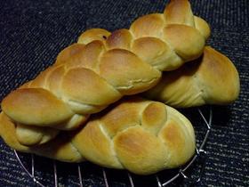 コーヒー三つ編パン
