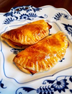 ベーコンとマヨネーズのカルツォーネ風パイ