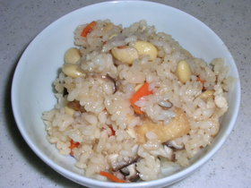 大豆の炊き込みご飯