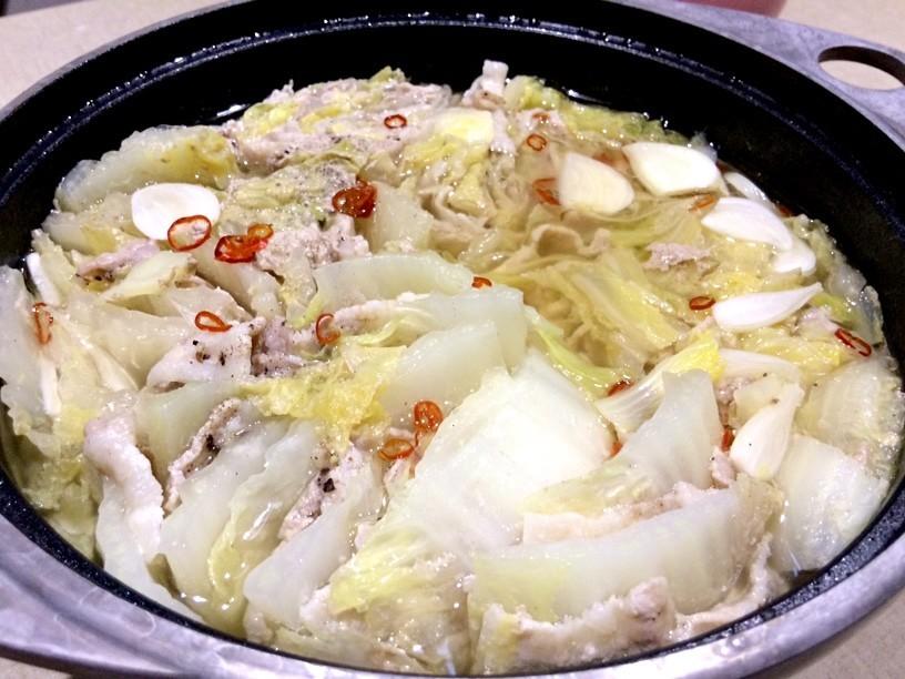 豚肉と白菜のミルフィーユ鍋(やや和風)