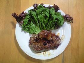 焼き方にコツ~フライパンで牛肉ステーキ