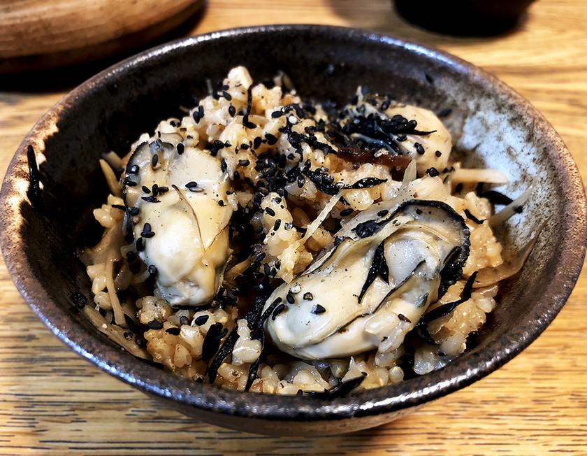 牡蠣とごぼうの炊き込みご飯