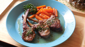 イギリス料理♪骨つきラム肉のハーブ焼き