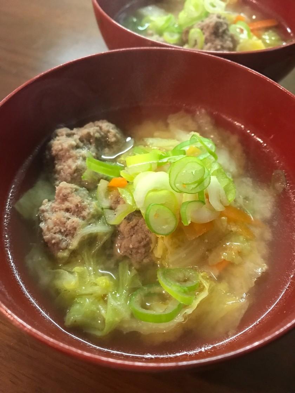 肉団子と白菜の味噌汁