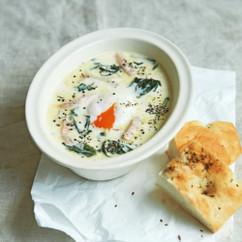ほうれん草とチーズのカルボナーラ仕立てスープ