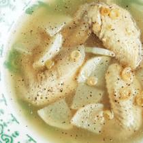 レモングラスの手羽先スープ