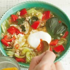 ガパオ風半熟卵のスープ