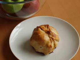 ブルドロ*りんごの丸ごとパイ