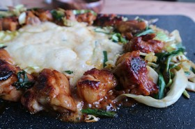 テーブルグリルで絶品チーズタッカルビ