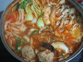 韓国・ボソッジョンゴル(きのこ鍋)