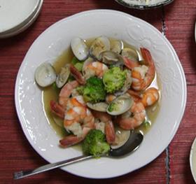 エビと貝のスープ煮