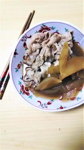 大根と豚肉のすき焼き風煮込み