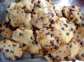 大人気のおやつ☆チョコチップクッキー