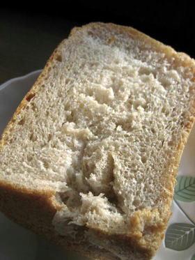ホシノ丹沢酵母で ライ麦粉入り林檎食パン